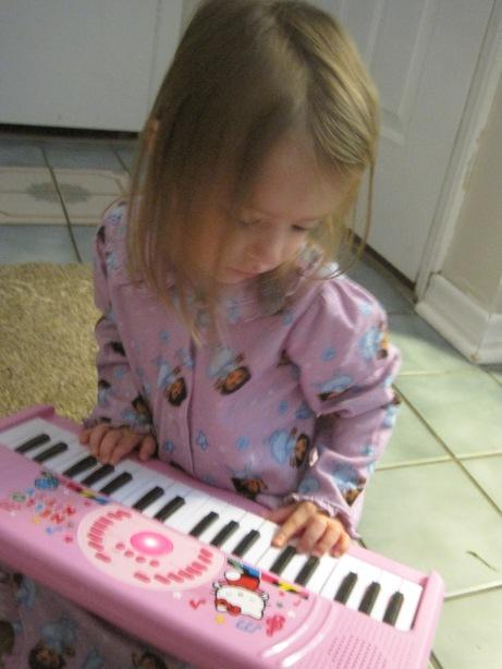 7-27-13 M 3 years Pink Keyboard