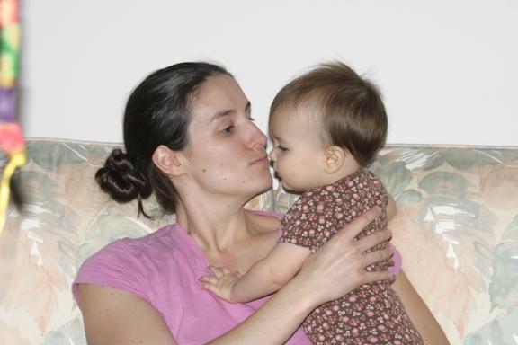 12-23-13 S Mom Kiss